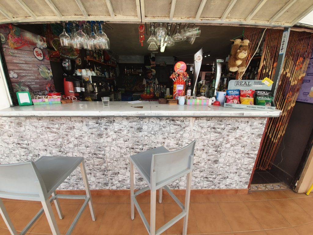Las Americas Pool Bar